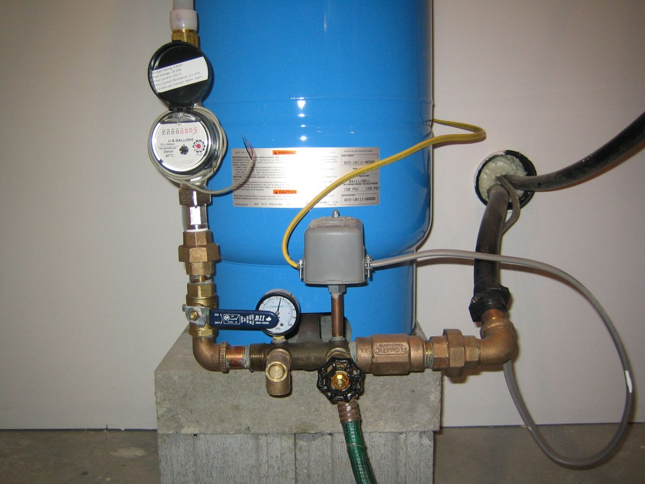 Water pressure tank hook up